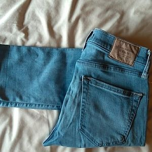 Abercrombie and Fitch skinny jeans  Size 28/30